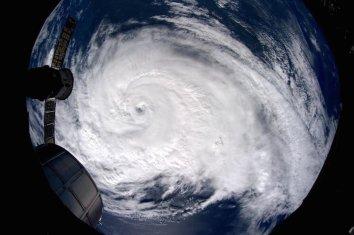 hurricane arthur iss astro_reid