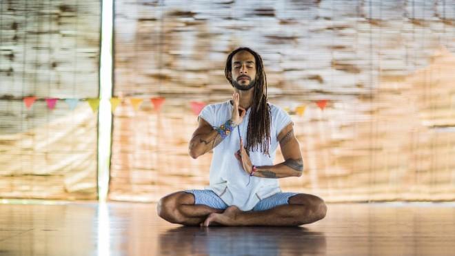 bali-yoga-carlos-romero2-1-1600x900